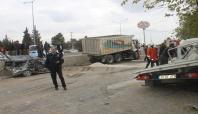 Freni boşalan kamyon dehşet saçtı: 1 ölü, 5 yaralı
