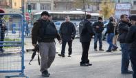 Arama noktasına giren PKK'li rastgele ateş açtı