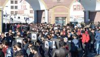 Kazada hayatını kaybeden öğrenci arkadaşları için yürüdüler
