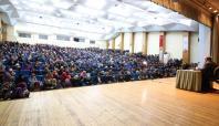Erdemli Gençlik'ten 'Arşın Gölgesindeki Genç' konferansı