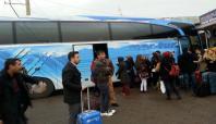 Gerilimin yüksek olduğu Cizre'de halk ilçeyi terk ediyor