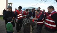 Siirt'teki mültecilere yardım dağıtıldı