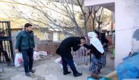 Öğrencilerden muhtaç aileye yardım