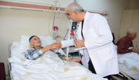 Sur'daki çatışmadan etkilenen hastalara moral ziyareti