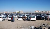 Çatışmalar nedeniyle araçlarını satıyorlar