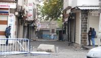 Sur'da 3 polis, 2 asker yaralandı