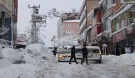 Şırnak'ta kış hayatı felç etti