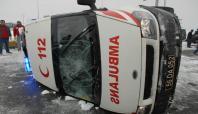 Batman'da cenaze taşıyan ambulans kaza yaptı