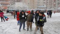 Diyarbakır, Bingöl ve Şırnak'ta okullar yarın da tatil