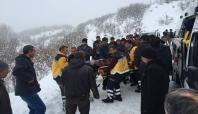 Köy yolunda minibüs devrildi: 11 yaralı