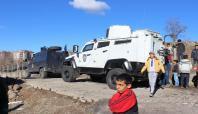Mezarlıkta gizlenen bomba patladı: 2 çocuk yaralandı
