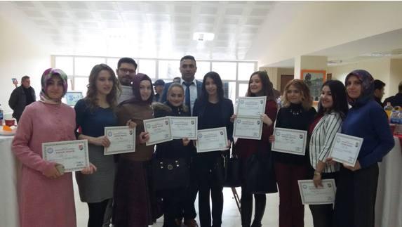 Eyyüp Cenap Gülpınar Gençlik Merkezinde Resim Sergisi Açıldı