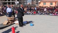 İlkokullarda yangın ve deprem tatbikatı