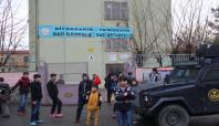 Okula ses bombası atıldı