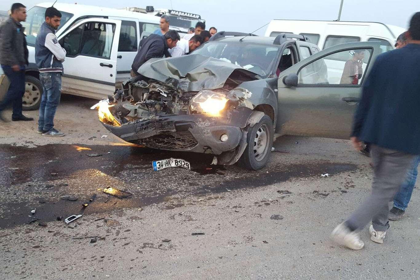 Şanlıurfa'da kırmızı ışık ihlali kazaya sebebiyet verdi
