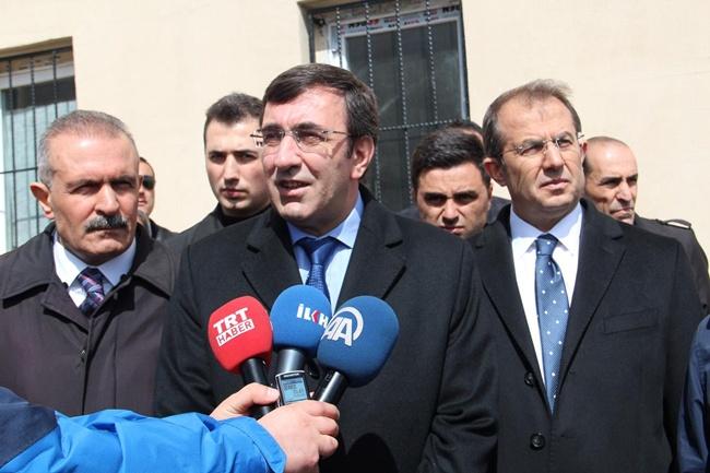 Bakan Cevdet Yılmaz'dan 'taşeronluk' açıklaması