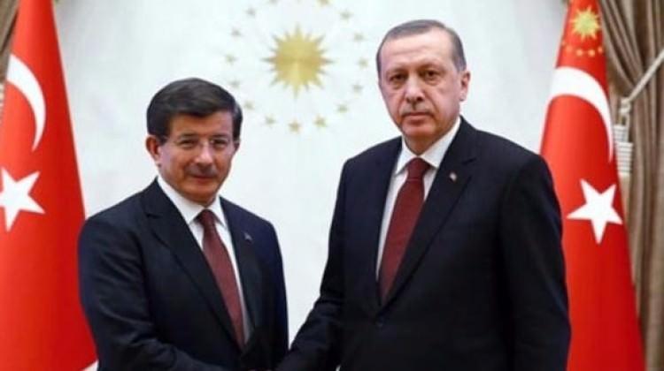 Erdoğan ile Davutoğlu'nun sürpriz görüşmesi...