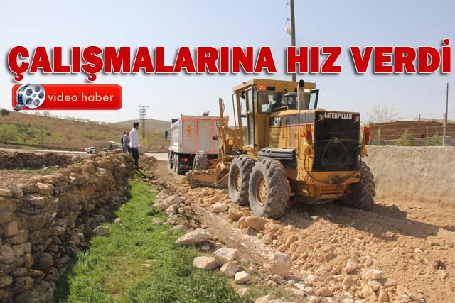 Eyyübiye Belediyesi Köy yolları için stabilize yol çalışmaları yapıyor