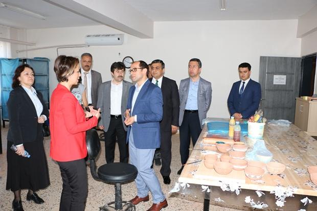 Genel Müdürü Becel, Harran ve Suruç Çadırkenti ziyaret etti