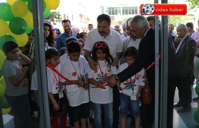 Çocuklar 23 Nisan Sergisini Açtı- Görüntülü