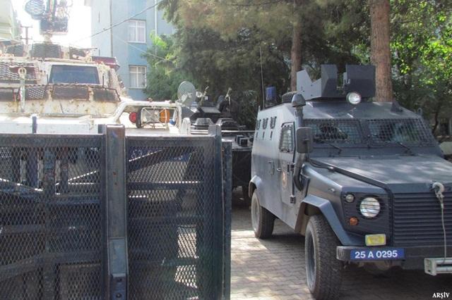 Urfa Siverek'te PKK'ye baskın: 11 gözaltı