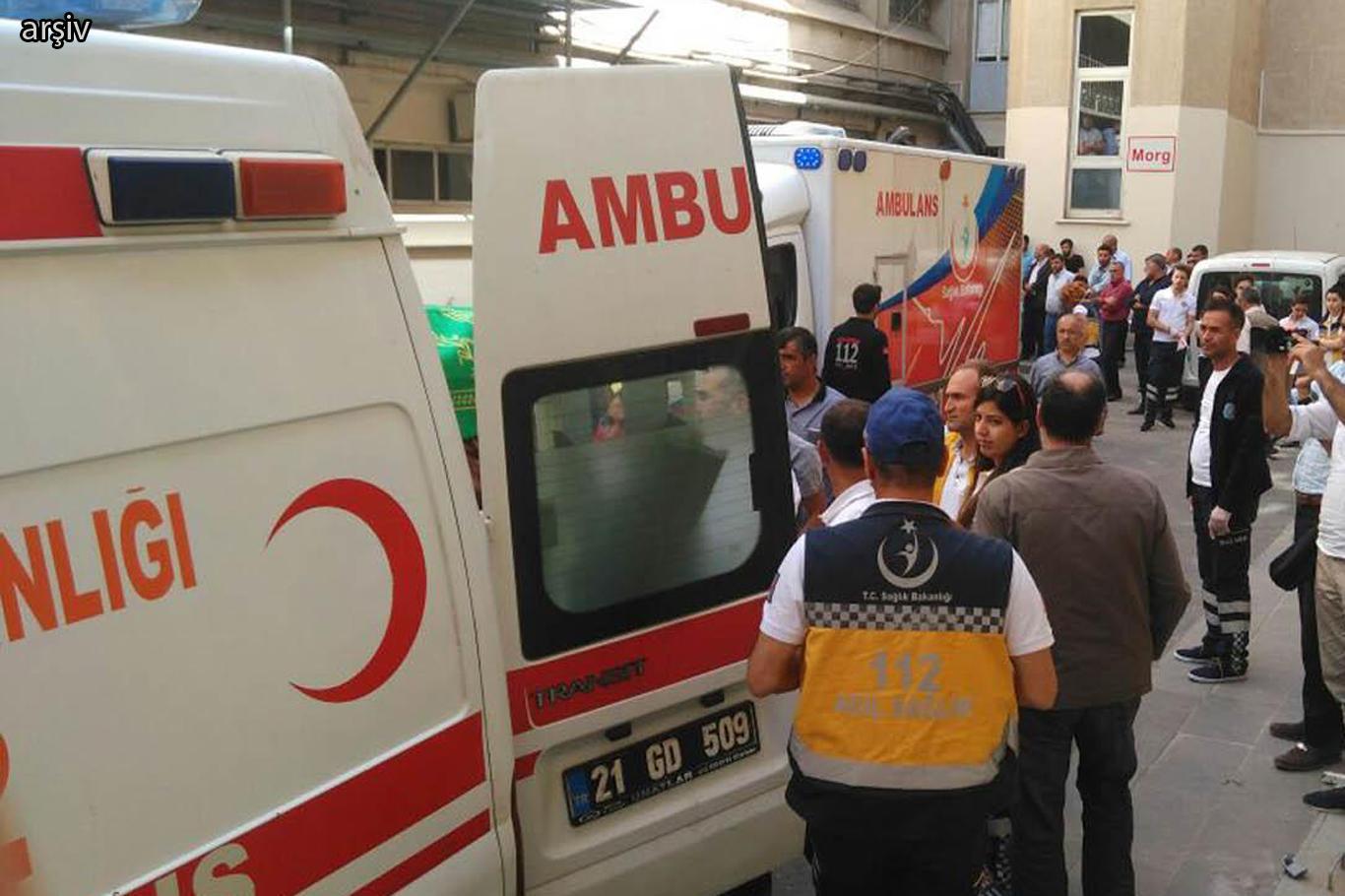 Urfa yolunda Minibüs devrildi: 6 ölü, 4 yaralı