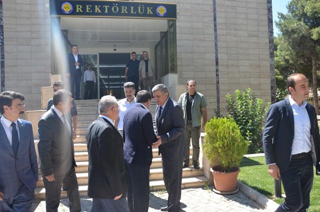 Vali Küçük, Rektör Taşaltın'a veda ziyaretinde bulundu