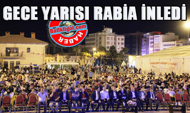 Rabia meydanı ilahilerle inledi VİDEO