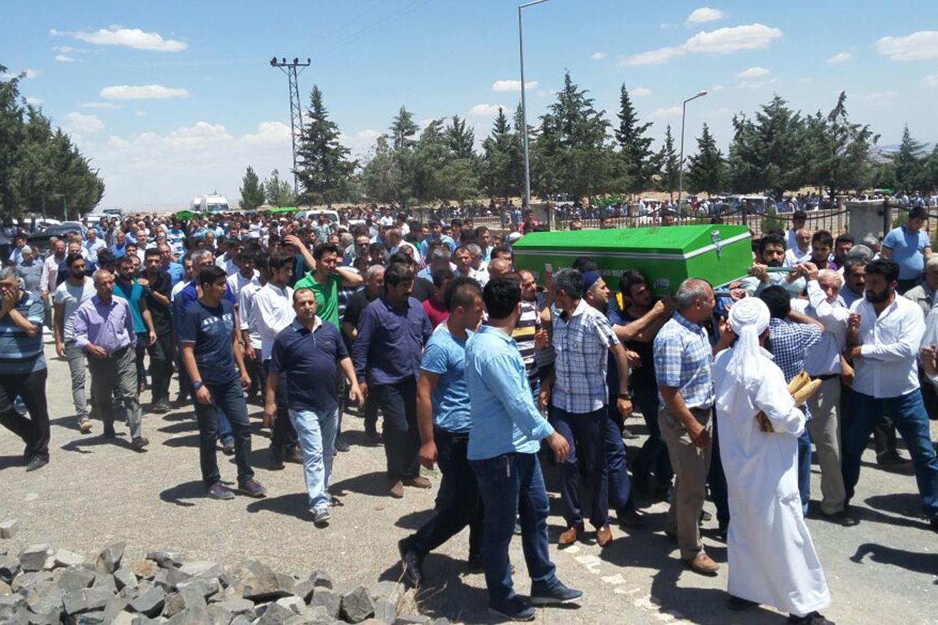 Büyük acı! konya'da Kazada Vefat edenler Urfa'da toprağa verildi