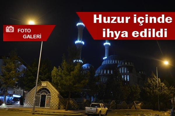 Kadir gecesinde Urfa'da camiler doldu taştı