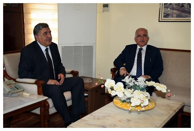 Vali Azim Tuna Rektör Taşaltın'ı Ziyaret Etti