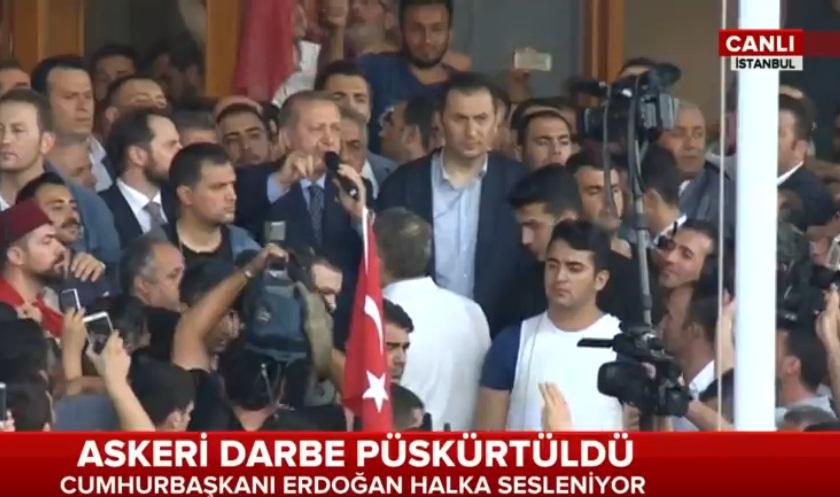 Son Dakika! Erdoğan Darbe ile ilgili halka sesleniyor