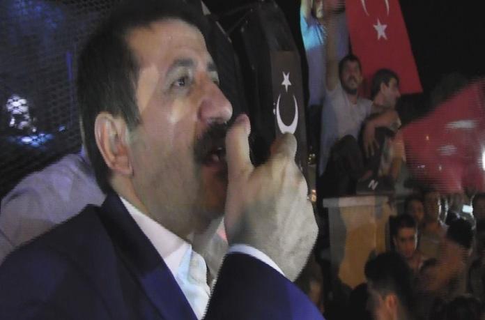 BAŞKAN EKİNCİ TOMA'NIN ÜSTÜNDE