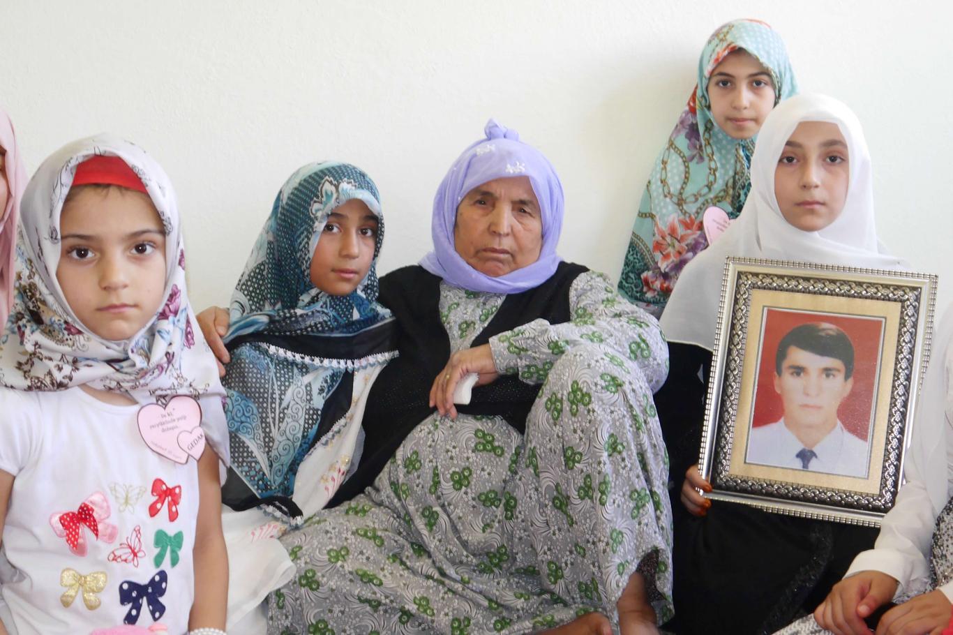 Genç Düşünce Akademisi Öğrencilerinden Şehit Abdusselam'ın ailesine ziyaret