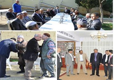 AK Parti Yaşlılarla Bayramlaştı