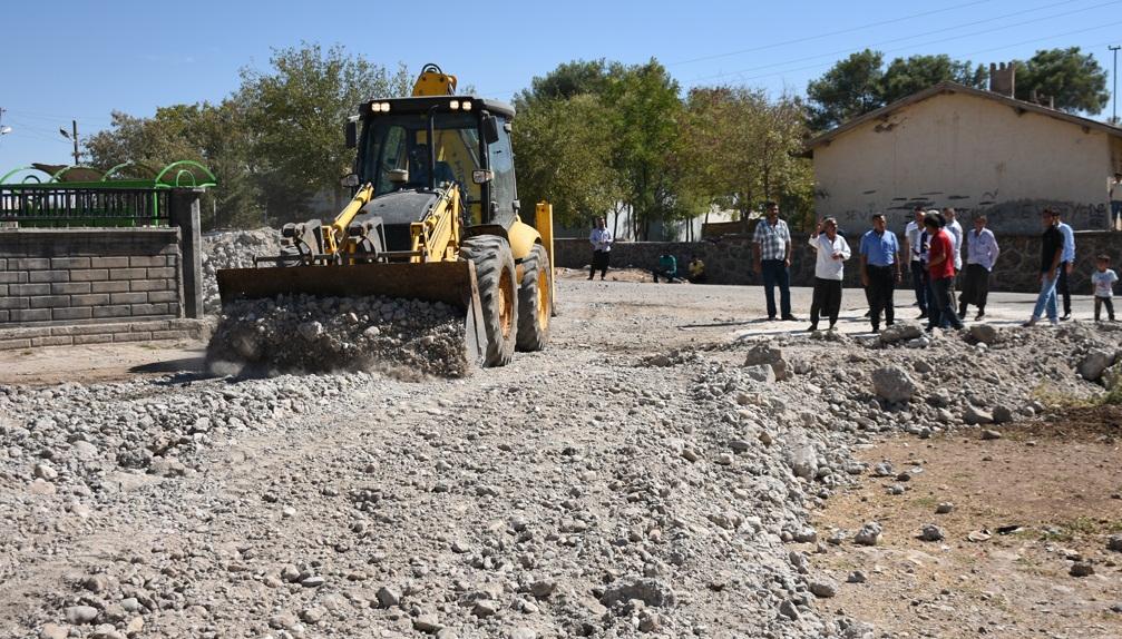 Hilvan Belediyesi Kırsal Mahallelerdeki Çalışmalarını Sürdürüyor