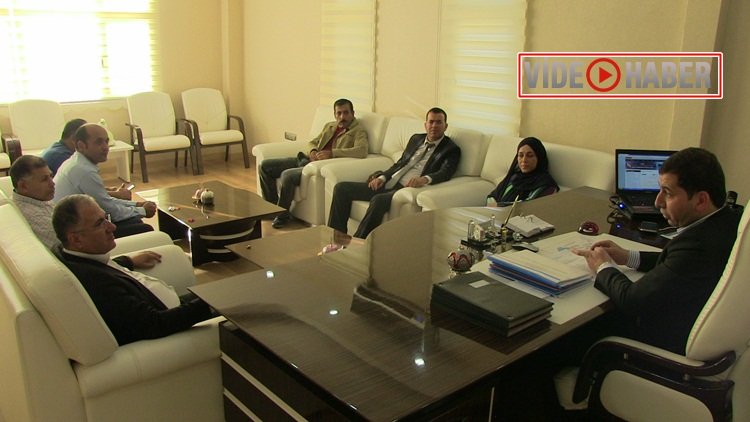 İnternet Yayıncıları Platformu Karaköprü Belediye Başkanı Metin Baydilli'yi makamında ziyaret etti