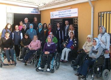 Karaköprülü kadınlardan engellilere ziyaret