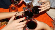 Lise öğrencilerine ''şaraplı tur'' skandalı
