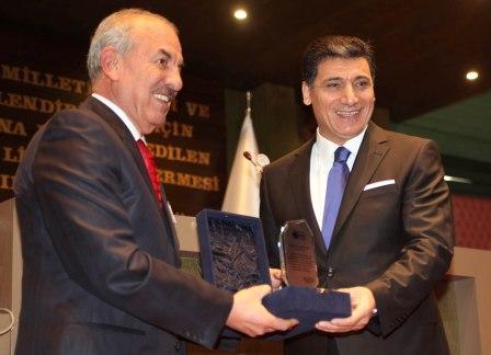 2010 yılı etik ödülü Okutan'ın