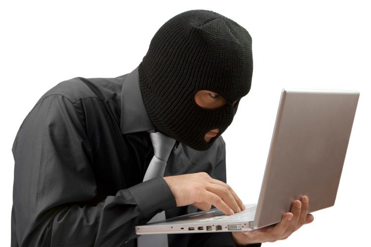 Hırsızlar evlere dadandı