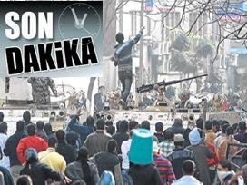 Göstericiler meclis binasını kuşattı