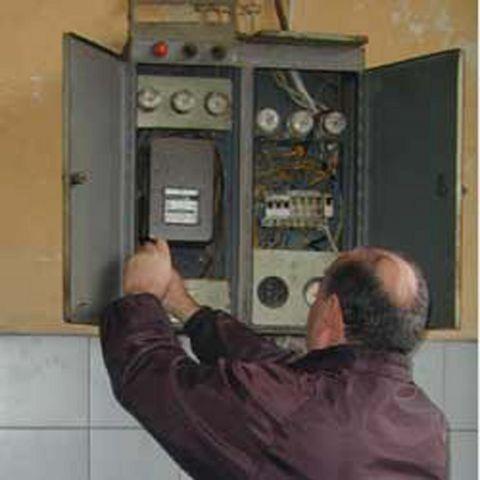 Suruç'ta kaçak elektrik operasyonu