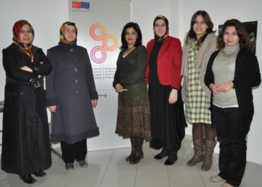 AK Partiden Kadın destek merkezine ziyaret