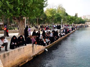 Urfada İranlı turiste kapkaç