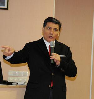 Vali Okutan, Fatih Üniversitesinde Konferans Verdi
