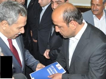 Aslan, Bakan Arınç'a Kürd Raporu sundu