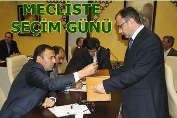 Belediye meclisinde komisyon üyeleri seçildi