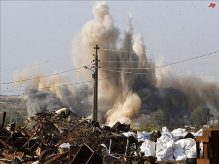 Siyonistler Gazze'yi Bombaladı: 3 Ölü, 35 Yaralı...