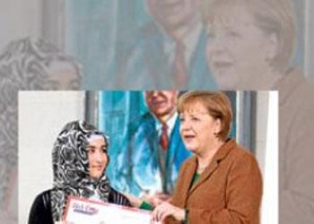 Merkel'den Başörtülü Öğrenci'ye Ödül